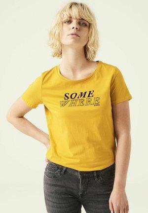 T-shirt print - golden sun
