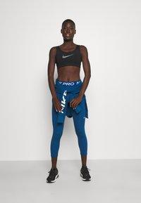 Nike Performance - CROP - Leggings - court blue/white - 1