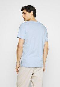 TOM TAILOR - Print T-shirt - light metal blue - 2