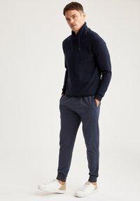 DeFacto - Pantaloni sportivi - indigo - 3