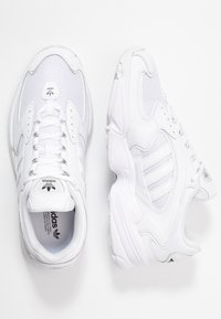 adidas Originals - FALCON 2000  - Trainers - clear black/footwear white - 5