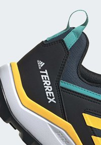 adidas Performance - TERREX AGRAVIC TR TRAIL RUNNING SHOES - Obuwie do biegania Szlak - turquoise - 5