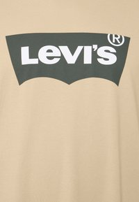 Levi's® Plus - BIG GRAPHIC TEE - Print T-shirt - beige/sand - 2