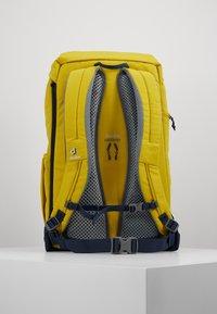 Deuter - WALKER - Turistický batoh - mustard - 2