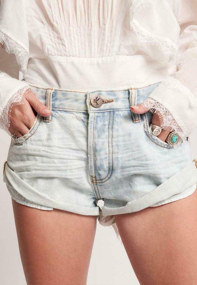 BANDITS FLORENCE - Shorts vaqueros - florence
