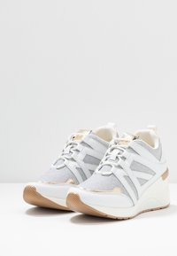 Mariamare - Sneakers - champagne - 4