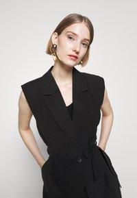 Bruuns Bazaar - LUCILLE LOEWE - Waistcoat - black - 4