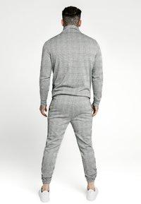 SIKSILK - TOOTH CHECK QUARTER ZIP FUNNEL NECK - Maglione - black/white - 2