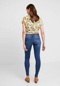 G-Star - LYNN MID SUPER SKINNY  - Jeans Skinny Fit - faded blue - 3
