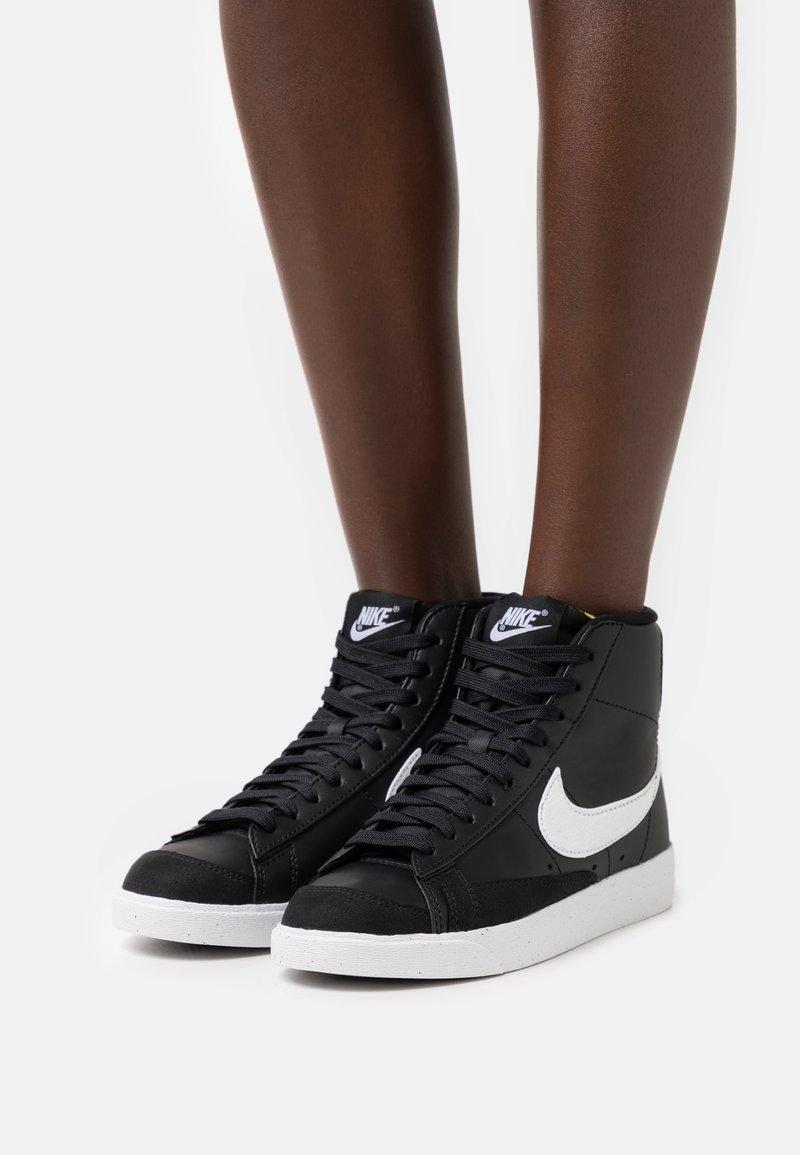 Nike Sportswear - BLAZER 77 - Baskets montantes - black/white