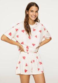 OYSHO - WATERMELON PRINT SHORTS 30321786 - Pyjamabroek - white - 0