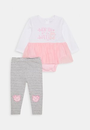 DRESS BODYSUIT BABY SET - Leggings - Trousers - true white