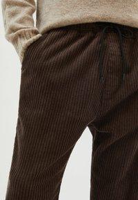 PULL&BEAR - Trousers - mottled brown - 4