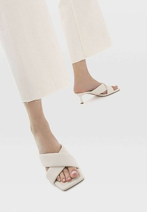 Bridal shoes - off-white