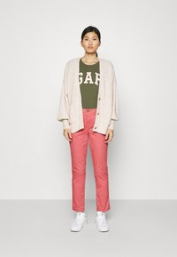 GAP - GIRLFRIEND - Trousers - pink city - 1