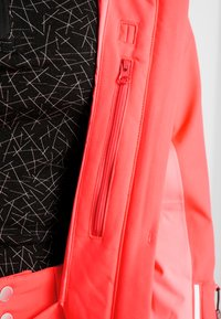 Halti - SAARUA JACKET - Lyžařská bunda - neon fiery coral - 5