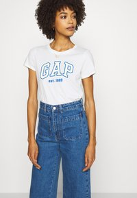 GAP - OUTLINE TEE - T-shirt z nadrukiem - snowflake/milk - 3