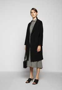 WEEKEND MaxMara - Classic coat - schwarz - 1