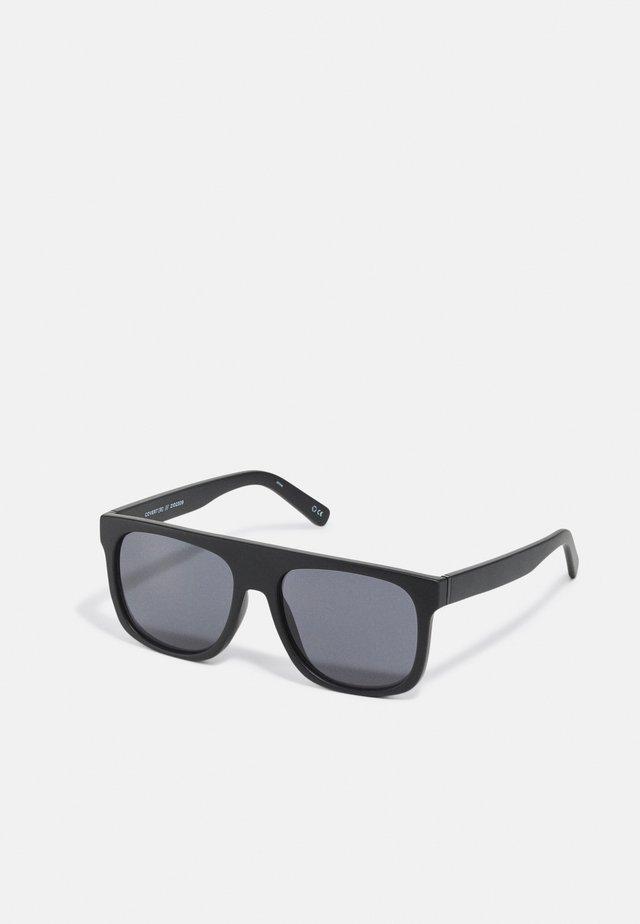 COVERT - Sluneční brýle - black