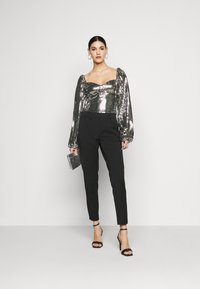 Missguided Tall - FOIL SEQUIN BODYSUIT - Blouse - black - 1