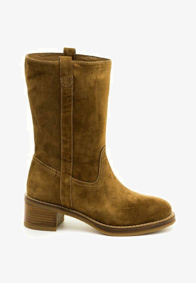 MADAME  - Boots - marrón