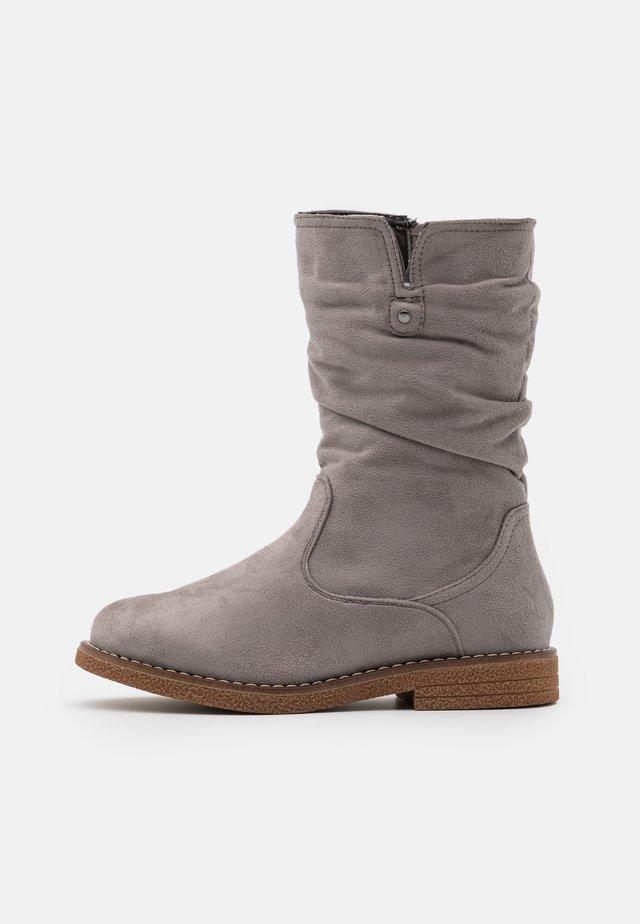 Stivali alti - grey