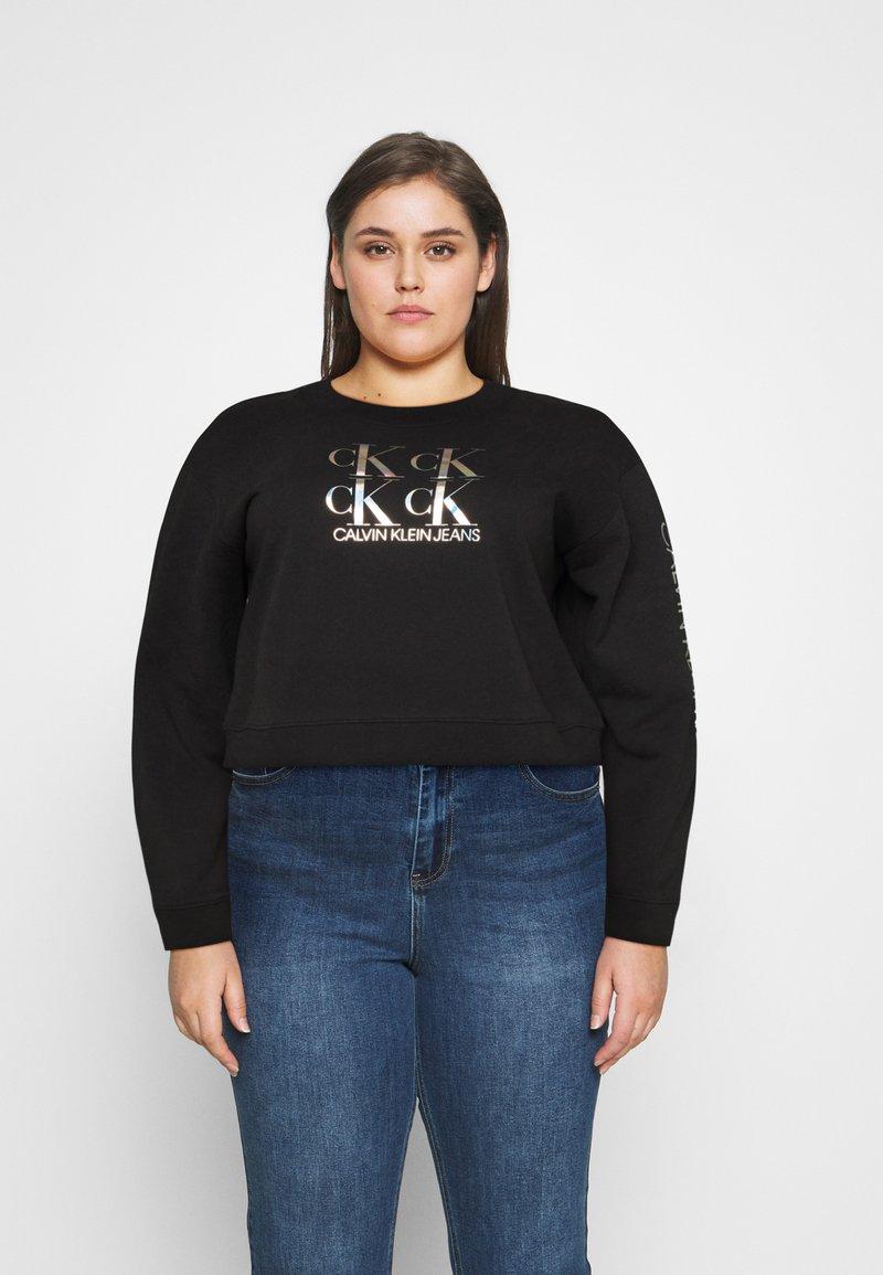 Calvin Klein Jeans Plus - SHINE LOGO CREW NECK - Sweatshirt - black