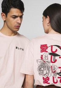 YOURTURN - UNISEX - T-shirt med print - pink - 5