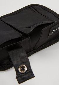 HXTN Supply - PRIME FACTION CROSSBODY - Bum bag - black - 4