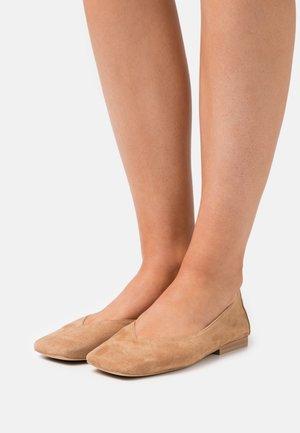 DOATE - Ballet pumps - camel