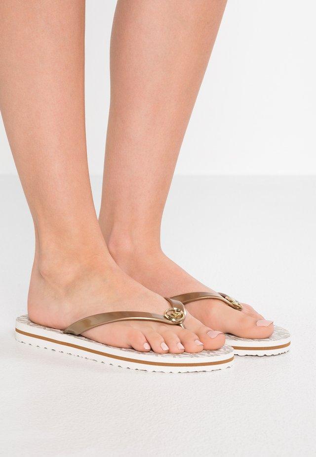 STRIPE EVA - Sandály s odděleným palcem - vanilla