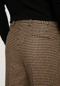 Shelby & Sons - KNIGHTON TROUSER - Bukse - brown - 5