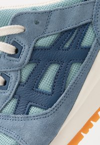 ASICS SportStyle - GEL-LYTE III - Sneakers - smoke blue/grand shark - 5
