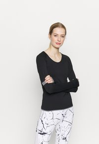 Even&Odd active - SEAMLESS  - Long sleeved top - black - 0