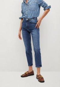 Mango - NEWMOM - Slim fit jeans - tmavě modrá - 0
