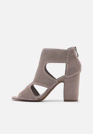 HELLI - High heeled sandals - warm grey
