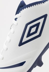 Umbro - UX ACCURO III CLUB FG - Moulded stud football boots - white/medieval blue/blue radiance - 5