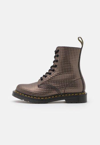 1460 PASCAL - Kotníkové boty na platformě - gunmetal
