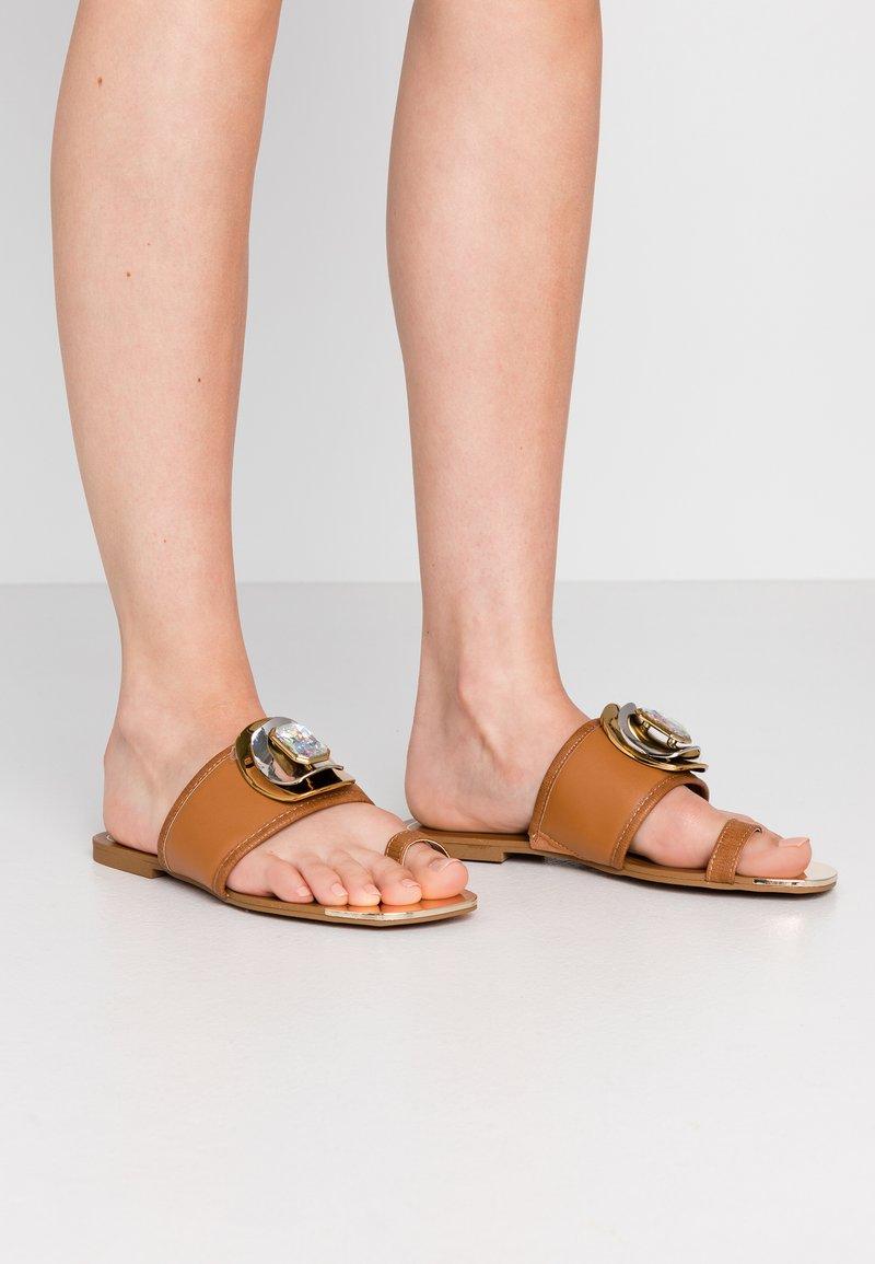River Island - Sandály s odděleným palcem - tan