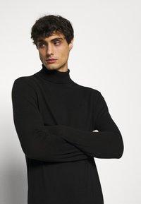 s.Oliver - Stickad tröja - black - 3