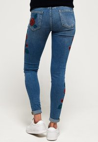 Superdry - CASSIE  - Jeans Skinny Fit - american blue - 2