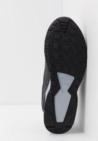 Nike Sportswear - AIR PEGASUS '92 LITE SE - Matalavartiset tennarit - anthracite/black/wolf grey/university red - 4