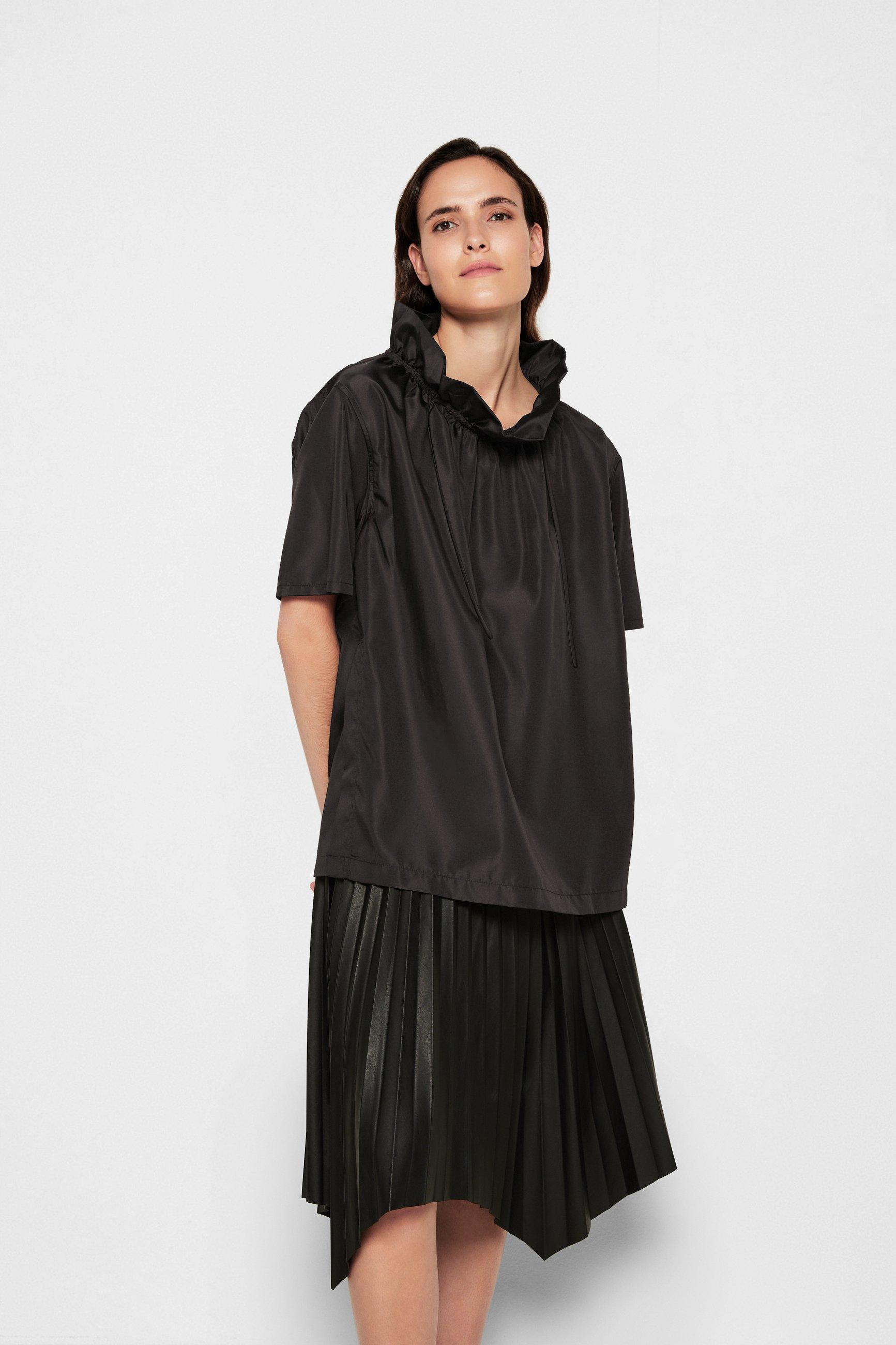 Women RUCHED NECK BOXING TAFFETA TOP - Print T-shirt