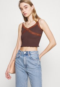 BDG Urban Outfitters - CROSS CAMI - Topper - chocolate - 4
