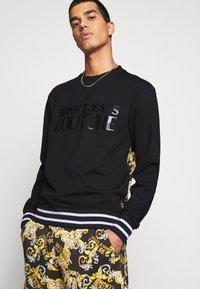 Versace Jeans Couture - Sweatshirt - nero - 6