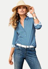 PETER HAHN - Button-down blouse - blau/ weiß - 0