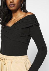 Fashion Union Petite - SWIFT - Long sleeved top - black - 4