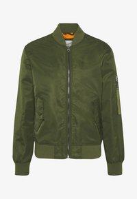 BOMBER - Bomber Jacket - green