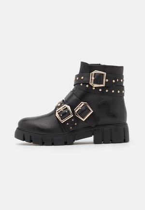 GROOM - Kovbojské/motorkářské boty - black