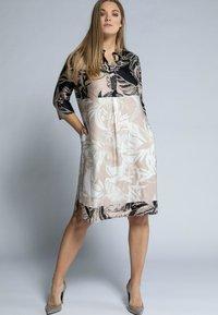 Ulla Popken - Shirt dress - sand - 0